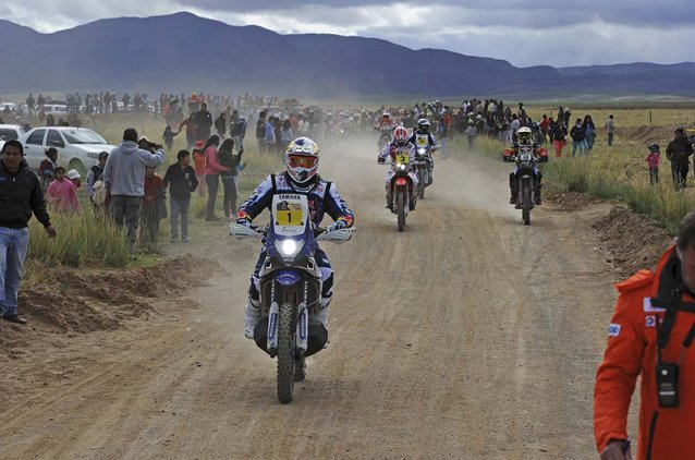 Riders on their way to the special - www.dakar.com