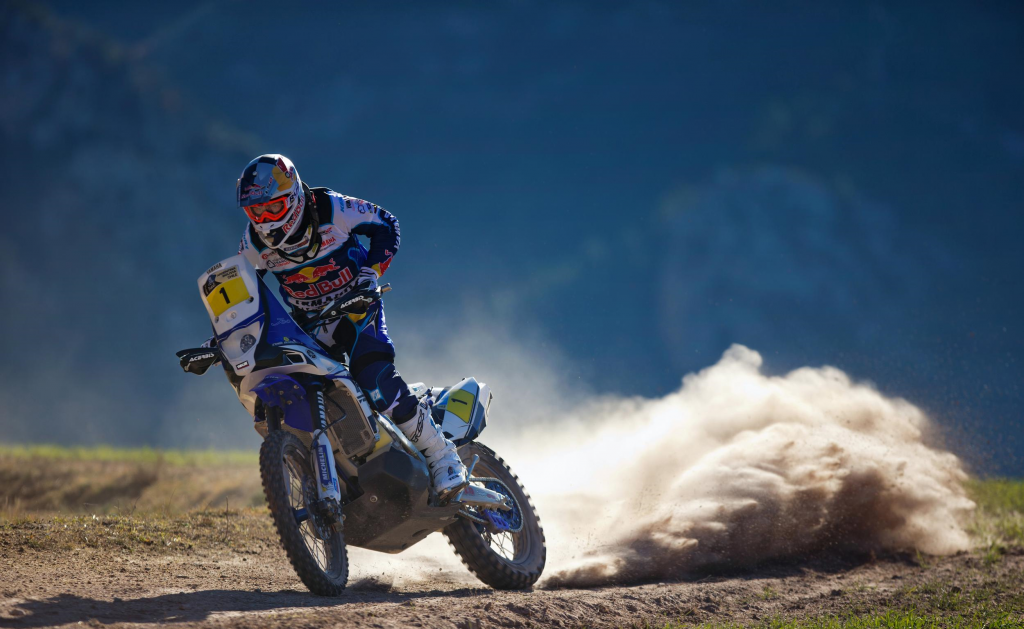 Cyril Despres on his Yamaha - www.yamaha-racing.com